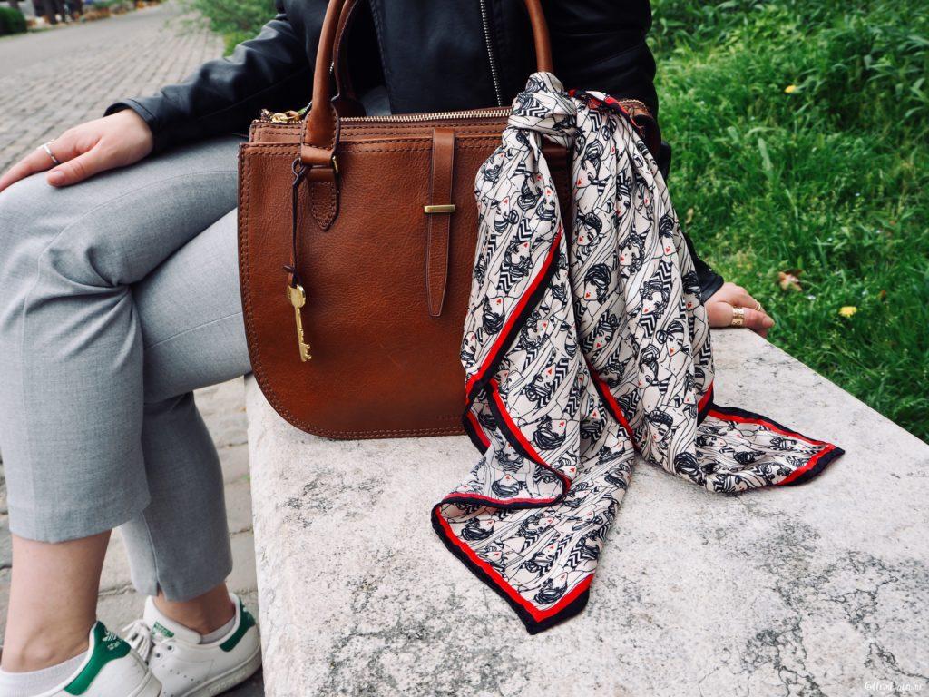 Comment porter un foulard sur un sac