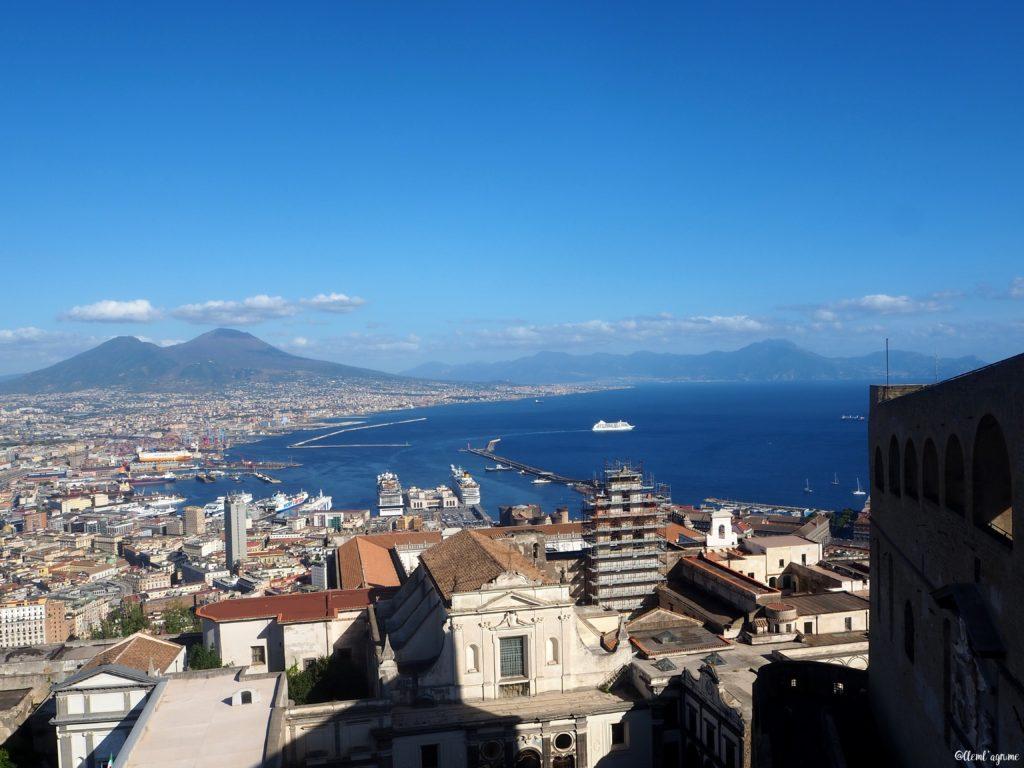 Vue baie de Naples Italie